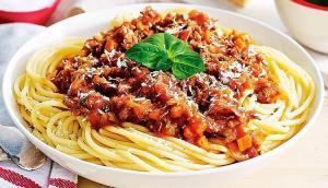 ساده ترین اسپاگتی فوق العاده خوشمزه و لذیذ
