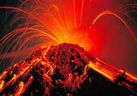 ویدئویی زیبا از لحظه فوران آتشفشان