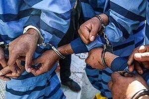 دستگیری ۱۱ شرور مسلح با ۱۴۱ کیلو مواد مخدر در یزد