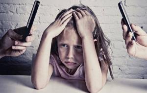 نقض حقوق کودکان؛ گریه کن تبلیغ بگیرم
