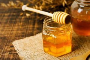 فواید مصرف یک قاشق عسل قبل از خواب