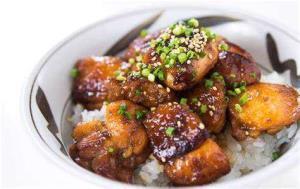 طرز تهیه مرغ زنجبیلی؛ غذایی مجلسی و خوش طعم