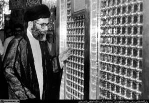 تصویری از تشرف رهبر انقلاب به حرم حضرت زینب (سلاماللهعلیها)