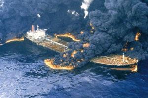 حکم جدید دادگاه؛ آیا خدمه نفت کش سانچی هنوز زنده هستند؟