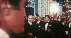 شیراز «جاده» نداشت؛ پیشخدمتان دربار شاه «لباس طلا» میپوشیدند!