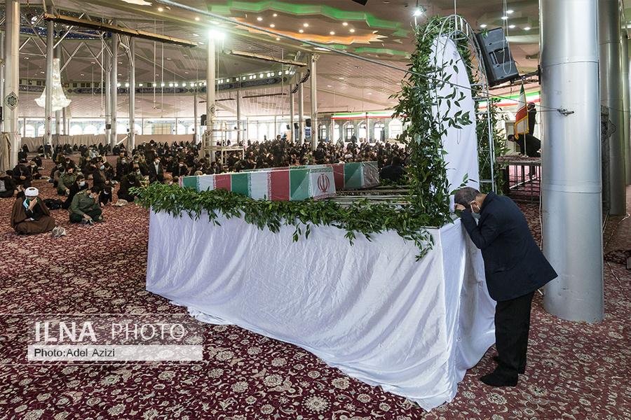 عکس/ تشییع پیکر مطهر شهدای گمنام در استان مرکزی