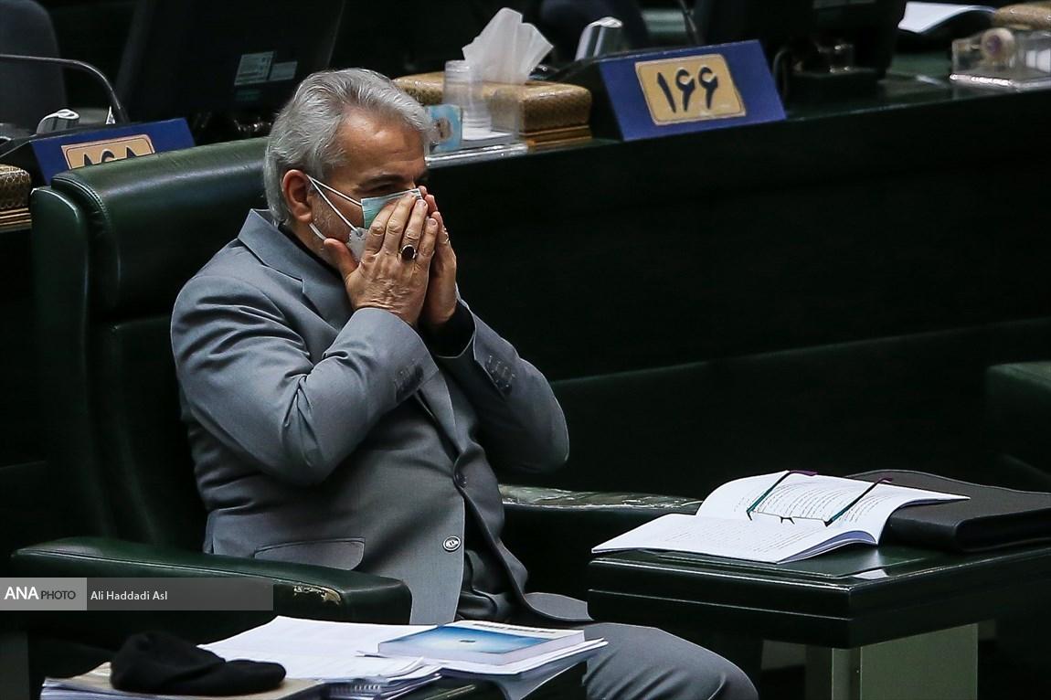 عکس/ تلاش نوبخت برای دفاع از بودجه 1400 در مجلس