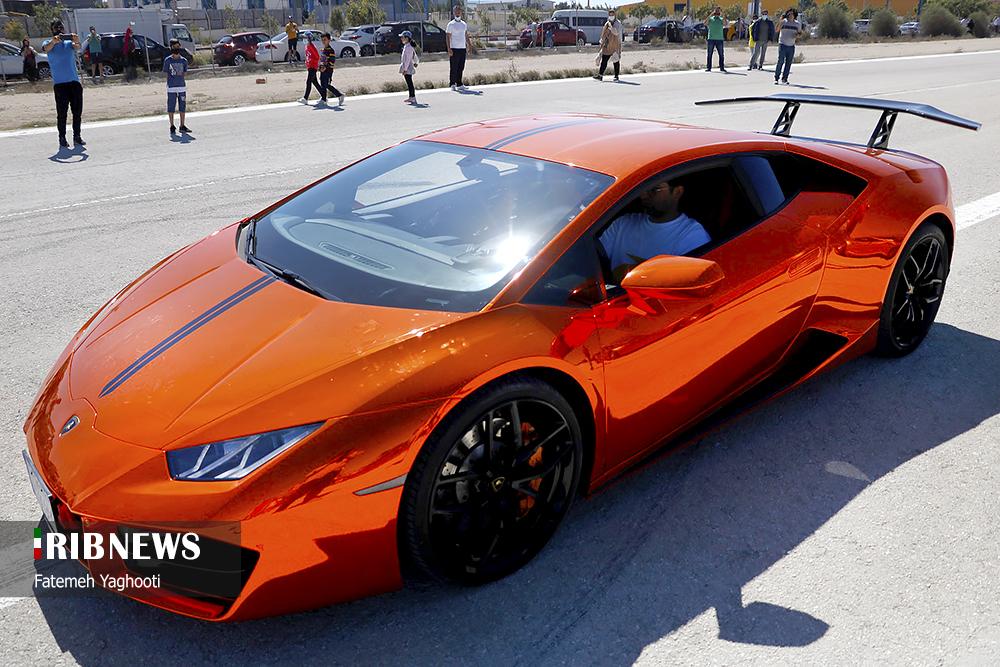 عکس/ خودروهای لوکس مسابقات اتومبیلرانی کیش