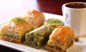 عصرانه/ ساده ترین روش باقلوا ترکی با خمیر یو�کا