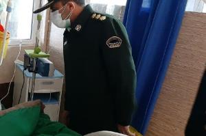 فرمانده انتظامی استان ایلام از افسر زخمی حادثه درهشهر عیادت کرد
