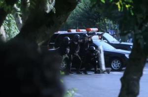 حمله پلیس به خانه امن در سریال دادستان