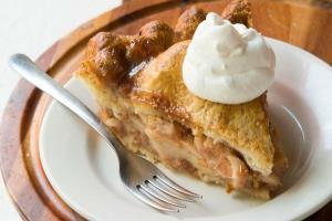 آموزش تهیه شیرینی پای سیب گرم و بدون شکر