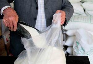 نابسامانی و کمبود کالا به شکر و قند رسید؛ بازار به حال خود رها شده است