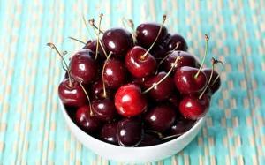 این میوه از پوسیدگی دندان پیشگیری میکند