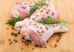 ترفندهای ساده برای از بین بردن بوی مرغ