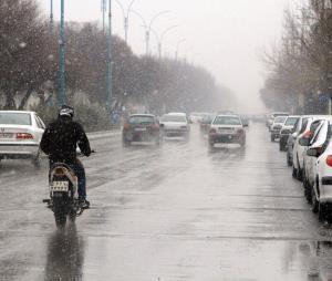 وزش باد و باران زنجان را فرا میگیرد