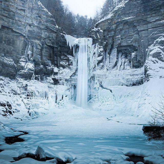 آبشارهای یخ زده نیویورک