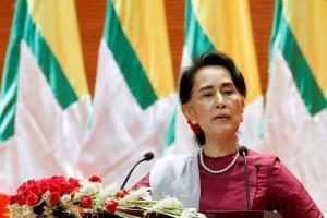 حضور رهبر برکنار شده میانمار در دادگاه