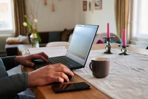 ۱۴.۵ میلیون آمریکایی به اینترنت ثابت دسترسی ندارند