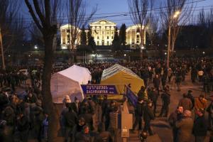 ناآرامیها در ارمنستان؛ حمله معترضان به ساختمان دولتی ایروان