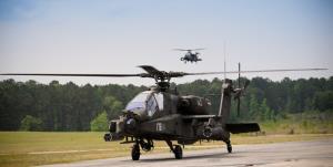 سقوط بالگرد رزمی «آپاچی ای اچ -64» ارتش آمریکا