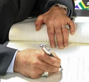 صوفی: برخی تمایل دارند رئیس دولت اصلاحات به سمت براندازی برود