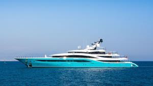 برخورد کشتی تفریحی گران قیمت با اسکله