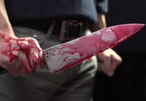 حمله فرد قمه به دست به مردم در کرج 