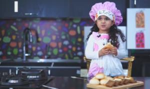 ساندویچ مرغ با دستور کودک هنرمند