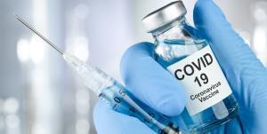 تزریق اولین دوز از واکسن روسی اسپوتنیک در بیمارستان رازی سراوان