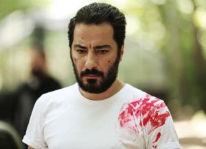 چهره ها/ پیراهن خونی نوید محمدزاده در سریال «قورباغه»