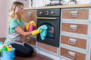 برای خانه تکانی آشپزخانه چه کاری باید انجام داد؟