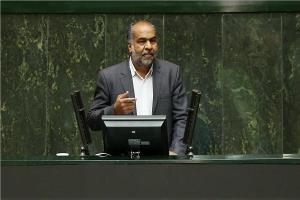 نماینده مجلس: فشار اقتصادی روی دوش مردم سنگینی میکند