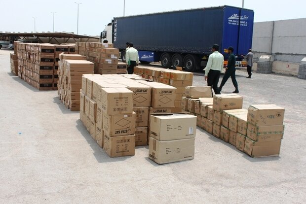 ۸ کامیون حامل کالای قاچاق در بندرعباس توقیف شد