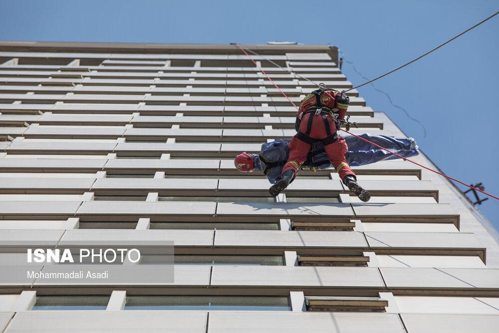 مانور عملیاتی آتش نشانی تهران در هتل پارسیان آزادی