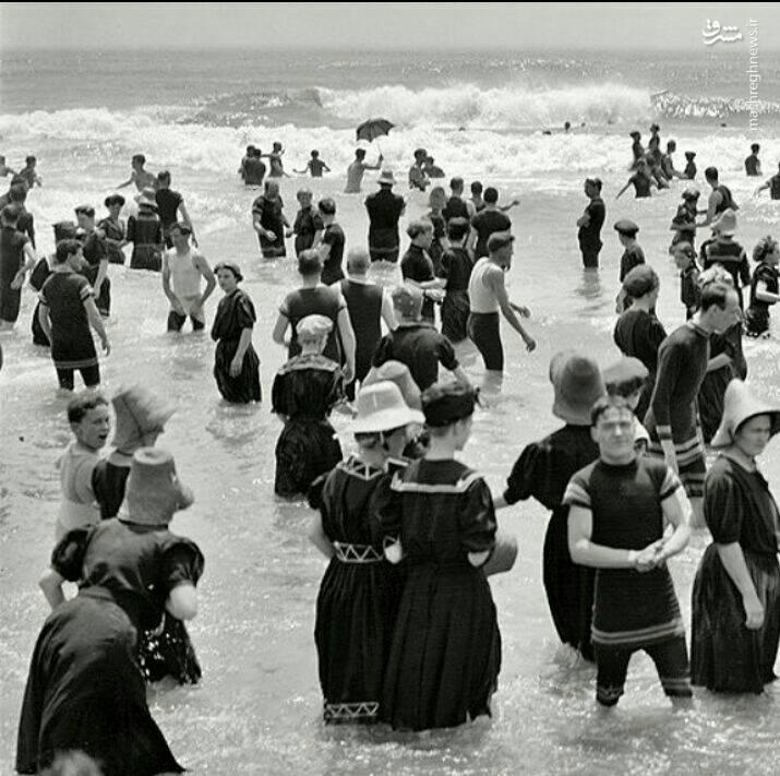 ممنوعیت برهنه وارد شدن به دریا در آمریکا