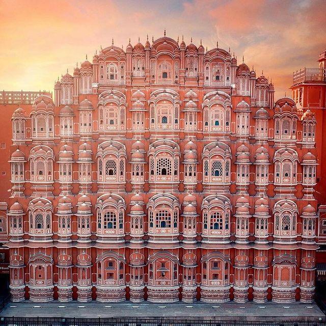 معماری سنتی یک ساختمان در جیپور هند
