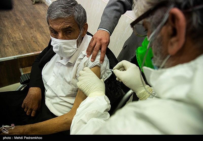 عکس/ تزریق واکسن کرونا به جانبازان خوزستانی