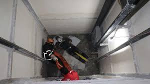 سقوط به چاله آسانسور جان کارگر مهابادی را گرفت