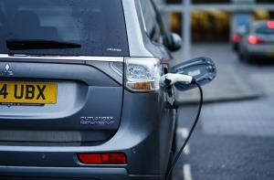 تفاوت میان خودروهای هیبرید و خودروهای تمام الکتریکی