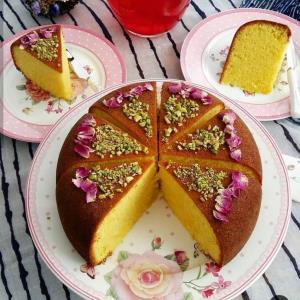طرز تهیه کیک قابلمه ای زعفران و گلاب خوش عطر
