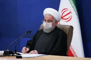 روحانی: قیمت هیچ کالایی بدون هماهنگی با ستاد اقتصادی افزایش نیابد