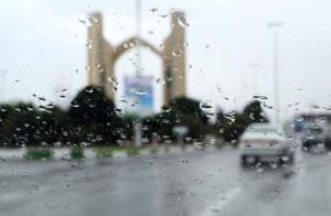 آسمان یزد میزبان باران میشود