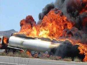 آتشسوزی تانکر سوخت در غرب بندرعباس
