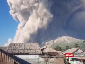 تایم لپسی از فعالیت کوه آتشفشانی سینابونگ در اندونزی