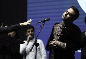 ارکستر فیلارمونیک پاریس و خوانندگی وحید تاج در سال 2018