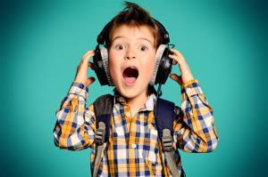 میخواهم فرزندم موسیقی سالم گوش کند؛ چهکار کنم؟