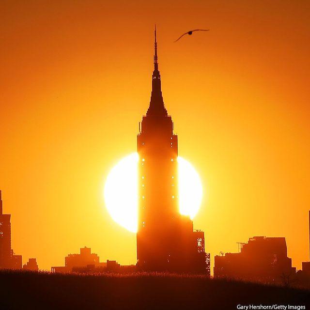 نمایی از طلوع خورشید در نیویورک