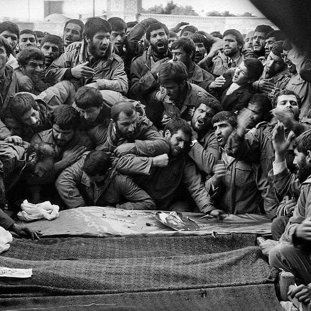 عزاداری بر پیکر حجت الاسلام محلاتی در سال 64