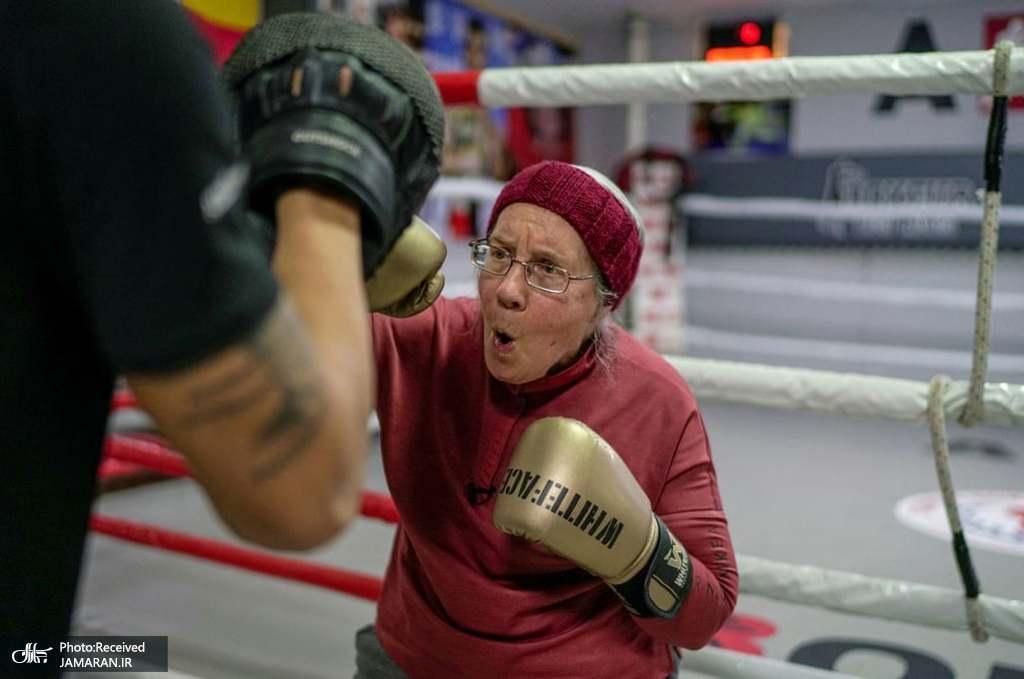 تمرین بوکس زن 75 ساله!